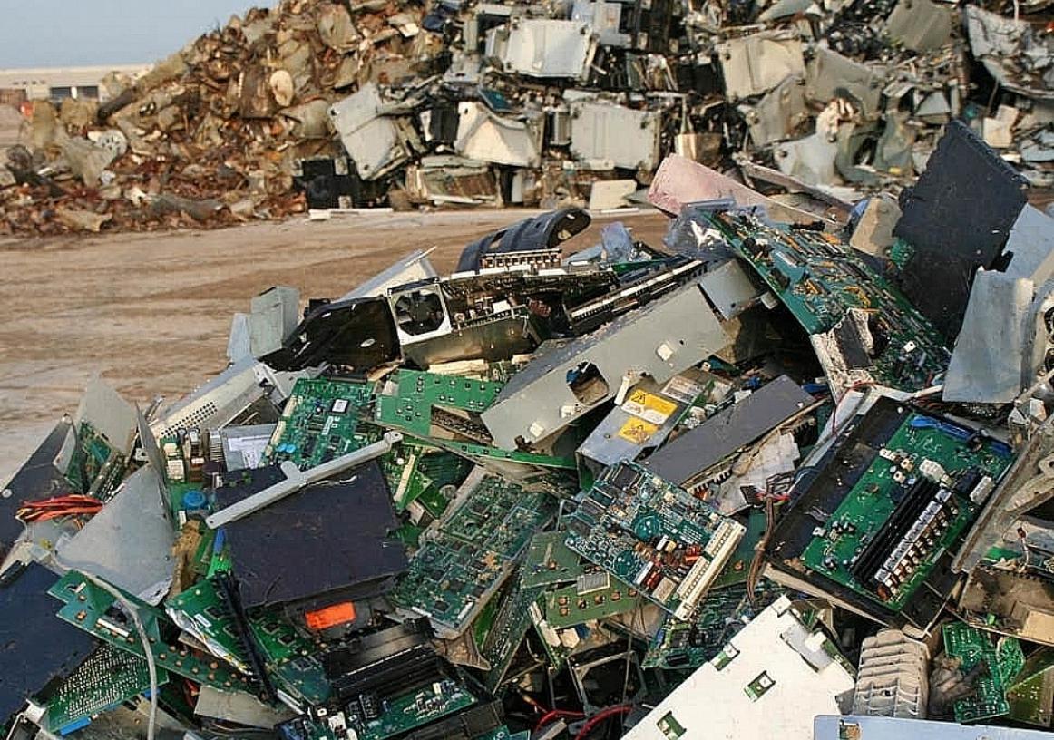 Phế liệu, phế thải, và thiết bị làm lạnh sử dụng C.F.C